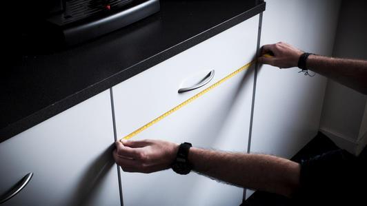 Des moyens simples pour rafraîchir votre maison avec du plexiglas