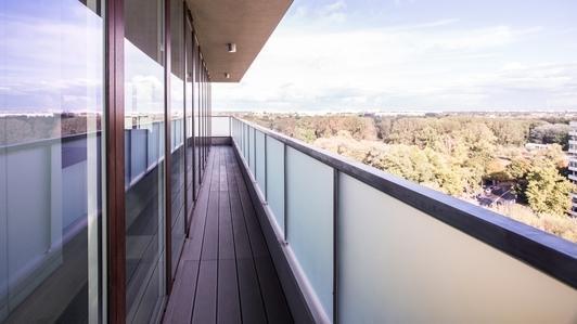 Plexiglas pour le balcon - prenez soin à la sécurité!